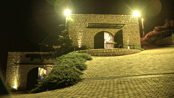 Domaine de Baal at night